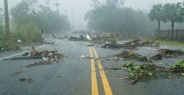 Conduire par mauvais temps? Des conseils pour rester en sécurité en cas de tempête violente